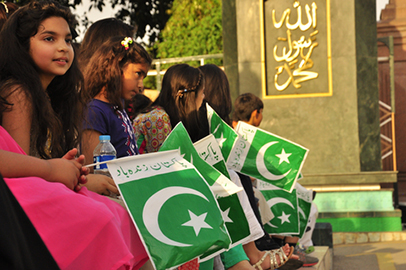 http://www.dreamstime.com/stock-photography-children-pakistan-flag-holding-image31286992