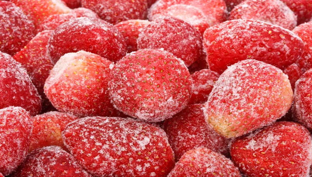 dreamstime_frozen strawberries berry fruit