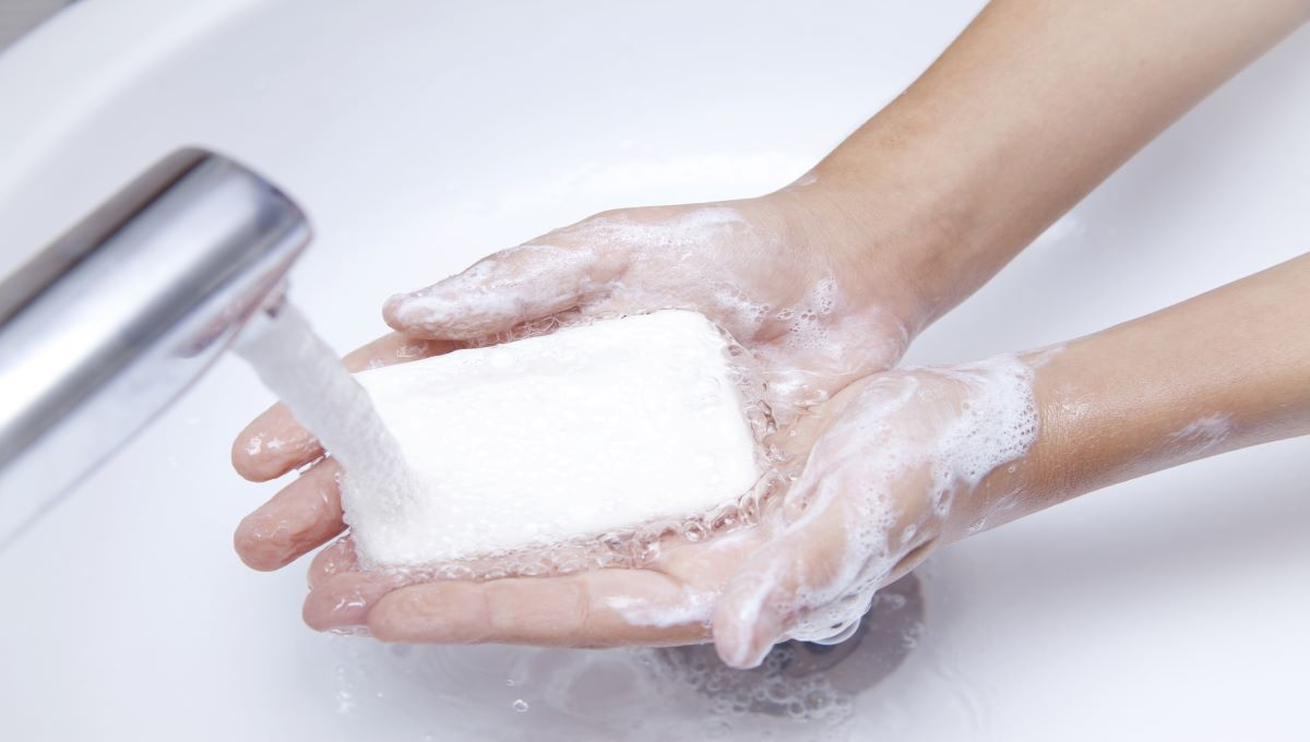 dreamstime_handwashing wash hands soap water clean